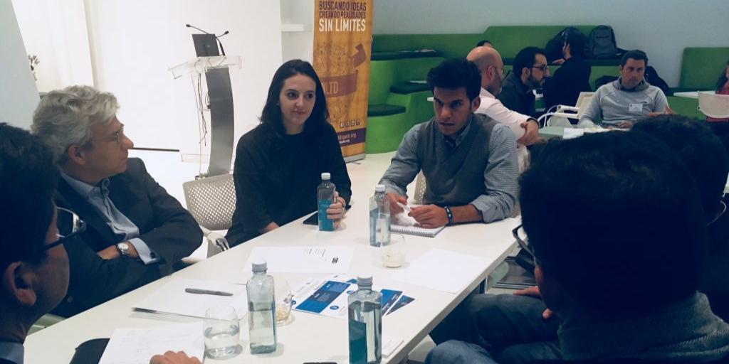 EMPRESAS Taller de emprendedores sociales con UNLTD y Club Harvard