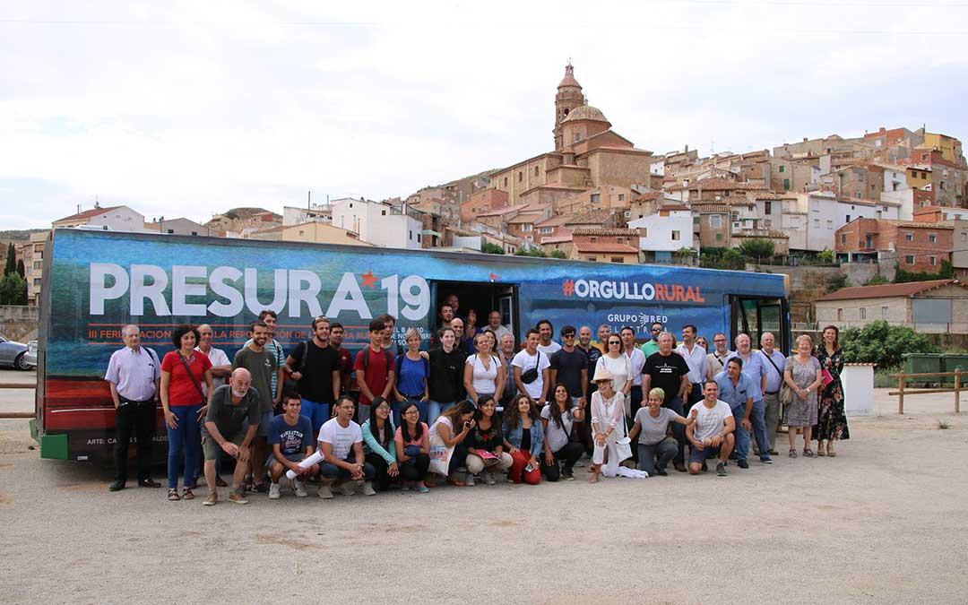 imagen Bus Presura despoblación Oliete | Adrián Monserrate